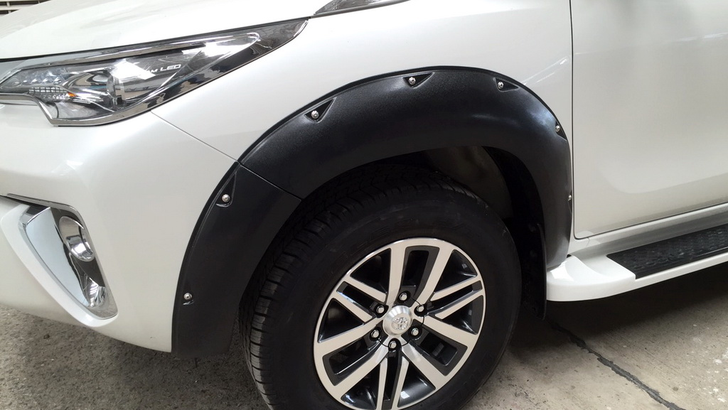 For Toyota Fortuner Crusade PPV 2015-2017 Fender Flares Wheel Trim Black V1 Set